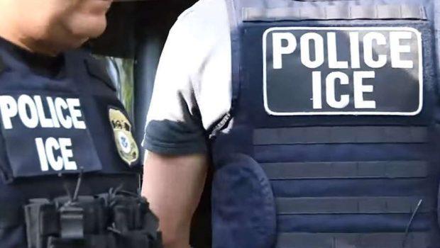 Los 61 inmigrantes que ICE tuvo que liberar tras redada